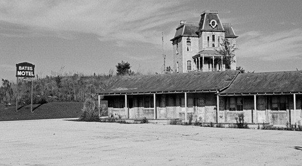 02-Bates Motel