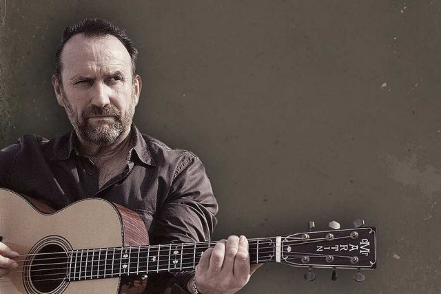 Colin Hay – Waiting For My Real Life