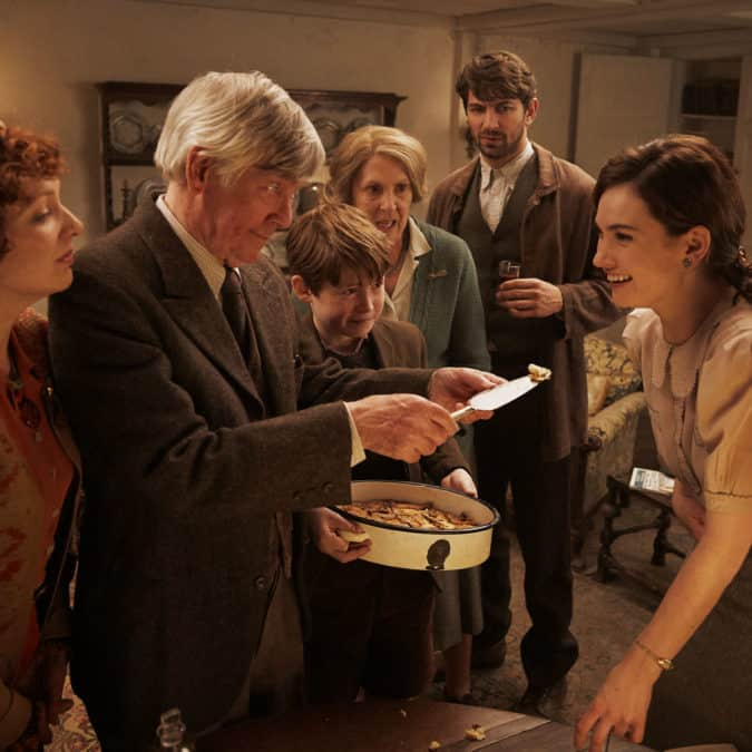 Review: The Guernsey Literary & Potato Peel Pie Society