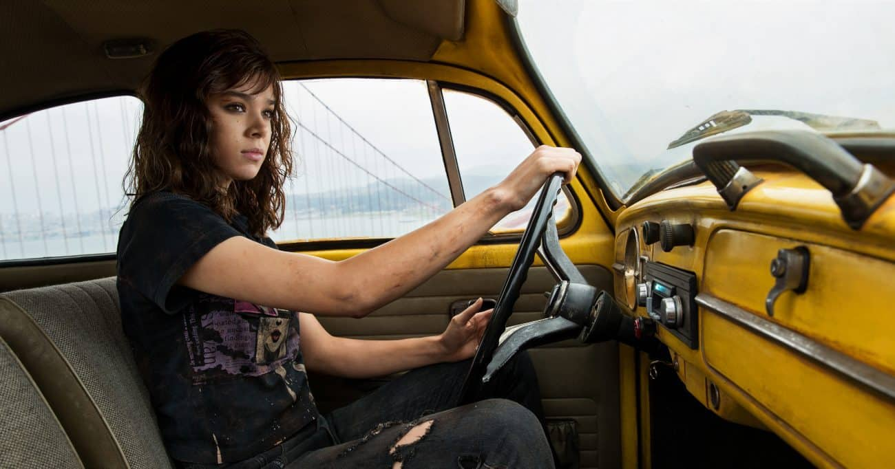 Hailee Steinfeld as Charlie and Bumblebee in BUMBLEBEE, from Paramount Pictures.