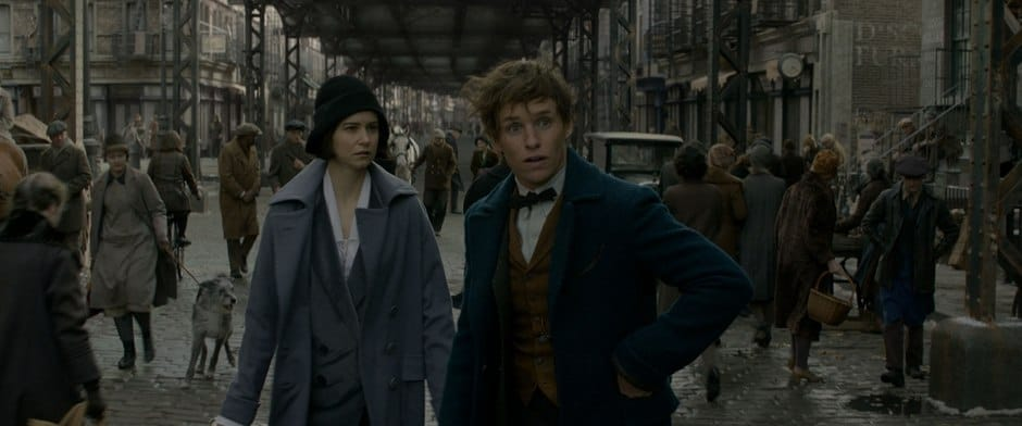 Final scene of NYC with actors Katherine Waterston and Eddie Redmayne.